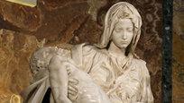 Пьета.Эта тема была популярна в эпоху Ренессанса, но здесь она трактуется достаточно сдержанно. Смерть и сопровождающая ее скорбь словно содержатся в мраморе, из которого изваяна скульптура.