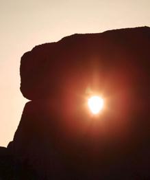 Вот уже много лет исследователи ломают головы над тем, каким образом доставляли на место огромные каменные блоки для строительства Стоунхенджа.