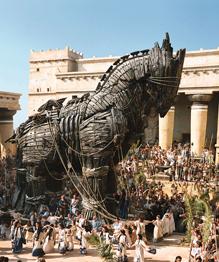Троя пала из-за Троянского коня. Вот только историки сомневаются — былли конь!