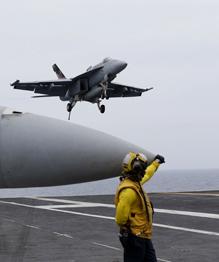 США, Индия и Япония проводят ежегодные военно-морские учения  Малабар . Выбор места маневров — прямой вызов Китаю.
