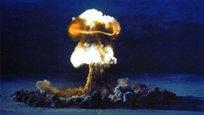 Запад вновь обвинил Россию в  агрессии . На этот раз бывший генсекретарь НАТО Андрес Фог Расмуссен не сравнил Россию с вирусом Эбола или ИГИЛ, но заявил, что нынешнее российское государство опаснее, чем Советский Союз. Некоторые западные политики продолжают пороть чушь. А тем временем самые проницательные из смертных — одаренные писатели, такие как Гюнтер Грасс, — предупреждают мир об угрозе Третьей мировой войны, которую развяжут США. И эта война может стать ядерной, следовательно, последней в истории человечества.