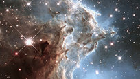 В НАСА отмечают 25-летие работы уникального космического телескопа  Хаббл , с помощью которого разгадано немало тайн Вселенной. Первый в мире космический телескоп такого рода был запущен 24 апреля 1990 года на борту шаттла Discovery - и с тех пор люди могут видеть такие фантастические снимки.