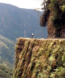 Самые опасные дороги в мире. Некоторые из них не только строить опасно, но и просто передвигаться по ним.