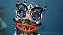 Роботы бывают разные. И не только белые, синие или красные. Эти умные машины способны заменить слуг, сиделок, охранников, учителей, секретарей и даже собак, дельфинов и прочее. Робот в разных ипостасях.
