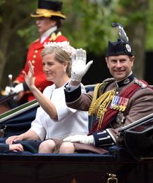 Познакомимся с представителями правящей в Великобритании королевской династией Виндзоров.