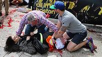 Два взрыва прогремело на финише Бостонского марафона. Террористическая атака унесла жизни троих людей, более 140 получили ранения. 17 человек находятся в критическом состоянии. В забеге участвовали 24 россиянина, никто из них не пострадал.