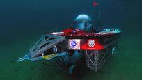 Ну что ж - кажется, изобретателей пора отправлять на свалку. Не в переносном смысле, мол, изжили они себя, а в прямом: из того, что они там найдут, можно сделать, кажется, все, что угодно. Американский исследователь и режиссер Скотт Касселл сделал себе подводную лодку.