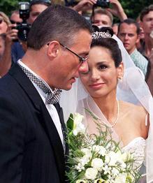 Кто из звезд кино и шоу-бизнеса чаще всех женился, выходил замуж и разводился?