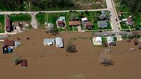 Наводнение в США, которое уже затопило часть земель Среднего Запада, может усилиться со вторника на среду. В результате наводнения уже погибли, как минимум три человека. Еще двое пропали без вести.