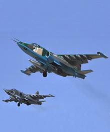 Авиаконструкторы озабочены созданием новейших истребителей-бомбардировщиков и почти совсем не обращают внимания на штурмовики.