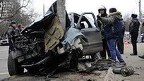 На севере Москвы на Онежской улице внедорожник Honda CR-V вылетел на остановку общественного транспорта и насмерть сбил троих человек.