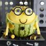 Американский Национальный совет по стимулированию продаж арбузов в общенациональном масштабе (US National Watermelon Promotion Board) отобрал забавные фигурки, вырезанные из арбузов, чтобы увеличить потребительский спрос на эту ягоду.