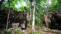 Археологи обнаружили в мексиканских джунглях на полуострове Юкатан два затерянных города майя. Даже то немногое, что осталось от культуры и знаний майя, поражает археологов уровнем своего развития. А загадки, оставленные древним народом, сгубили не одну экспедицию, прежде чем были найдены хоть какие-то ответы.
