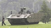 Сегодня в Уэльсе открылся двухдневный саммит НАТО. Для устрашения России военный блок Запада выставил одетых в военную форму чучел в окружении ощерившейся жерлами пушек техники.