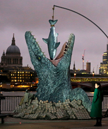 Посреди Лондона всплыл мозазавр. То ли еще будет!