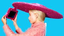 Дорогие игрушки: шляпа-гаджет и золотая приставка
