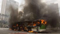 Крупный пожар в Лос-Анджелесе, наводнения в Индии и Техасе, взрывы в Багдаде и пожары в Калифорнии - смотрите подборку фотографий из серии катастрофы недели