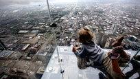 Небоскребы мира... гигантские исполины, которые, кажется, могут достать до неба. Они возвышающиеся над всеми, упиваясь своим недостижимым величием. Любые небоскребы мира, не важно, в Нью Йорке они или в Москве, они везде поражают воображение