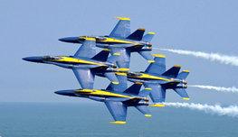 Авиационная группа высшего пилотажа ВМС США (United States Navy) Blue Angels —  Голубые ангелы  была создана в 1946 году. Сегодня они летают на шести боевых самолетах типа McDonnell Douglas F/A-18 Hornet.