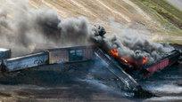 Канада под угрозой: с рельсов сошел токсичный поезд