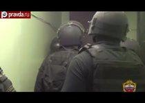 Спецназ штурмовал квартиру грабителя