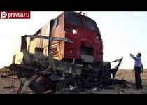 Поезд разорвал автобус и грузовик в Египте