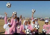 100 секунд: Надутый Зюганов и футбол в хиджабе
