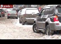 Снег сковал Москву