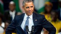 Москвичи поздравили Барака Обаму с днем рождения