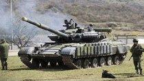 Французский политолог: Россию пытались заставить ввести танки на Украину