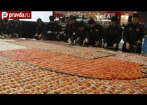 В Гонконге сложили гигантскую мозаику из суши