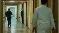 Российские врачи: между молотом и пациентом