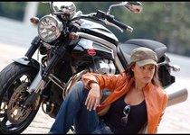 Девушки и мотоциклы. Как хранить технику зимой