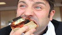 Едим — себе вредим? Почему чиновников встревожило качество продуктов