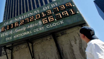 Почему Запад привык жить в долг?