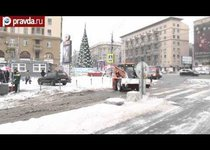Снегопад парализовал движение в Москве