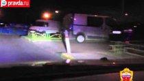 Автохулиган протаранил два полицейских авто
