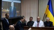 Януковича судим, Порошенко в уме
