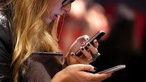 """Зависимость от смартфонов: как не """"промотать"""" жизнь"""