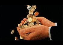 Почему монополии клянчат деньги у государства?