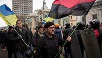 """Украину загоняют в """"Правый сектор""""?"""