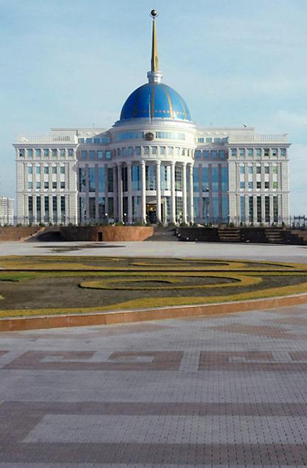 В 1997 году Президент суверенного Казахстана Нурсултан Назарбаев предложил перенести столицу страны из Алматы в Акмолу. Фото: РИА Новости Алексей Бабушнин